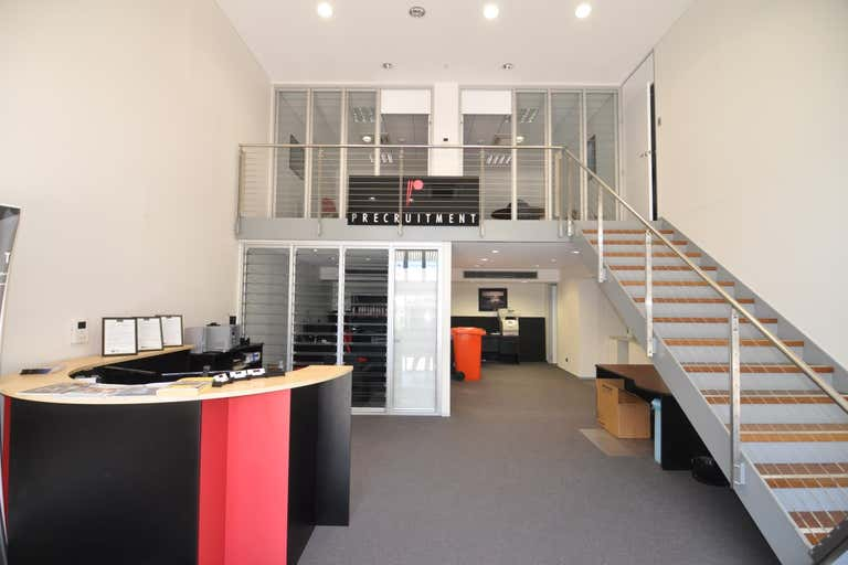 Suite 4, 5-7 Barlow Street South Townsville QLD 4810 - Image 2