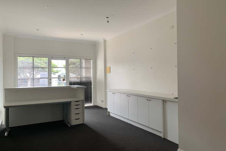 2a/242 Ryrie Street Geelong VIC 3220 - Image 2