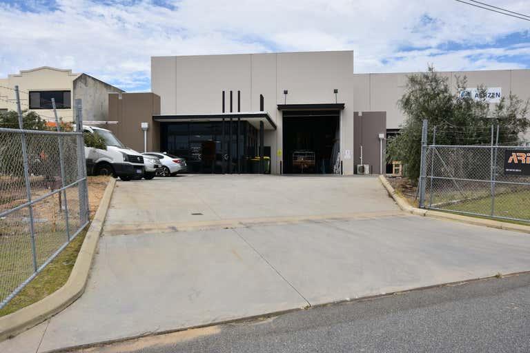 1/5 Geelong Court Bibra Lake WA 6163 - Image 2