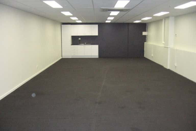 17A/156 Bay Street Port Melbourne VIC 3207 - Image 3