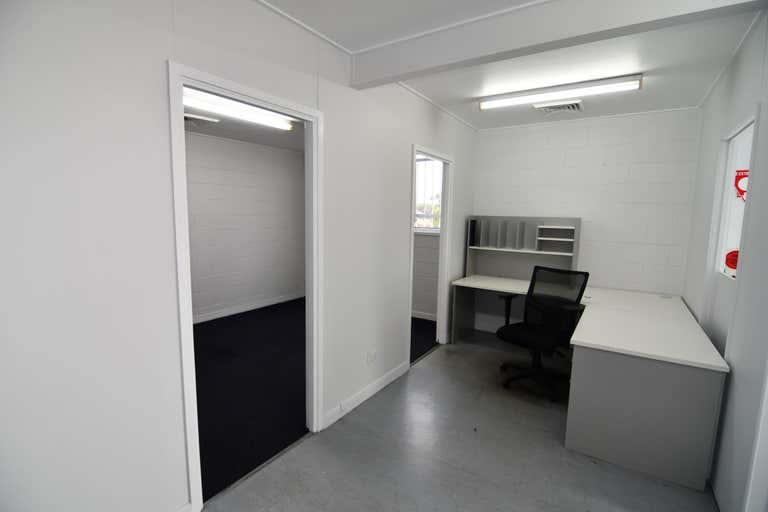1/ 247 Ingham Road Garbutt QLD 4814 - Image 3