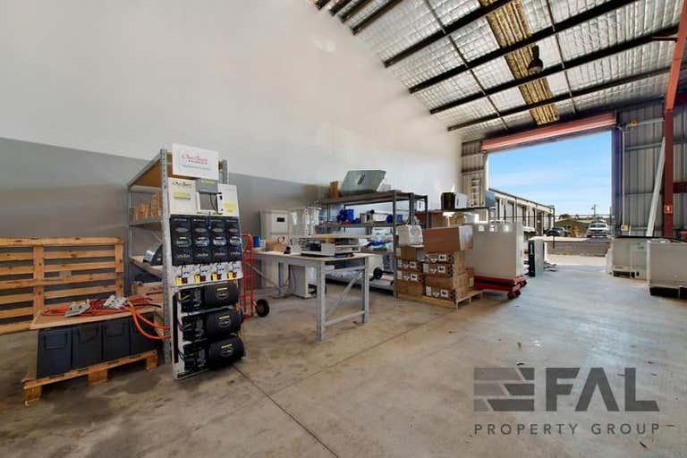 Unit  2, 46 Counihan Road Seventeen Mile Rocks QLD 4073 - Image 4