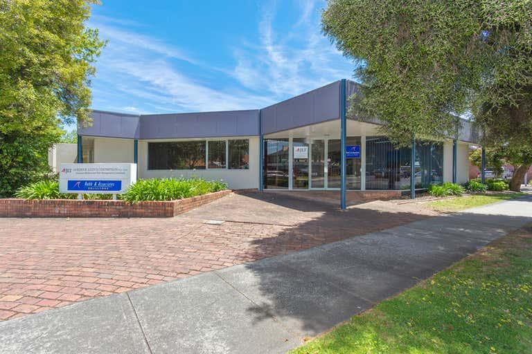 2/601 Olive Street Albury NSW 2640 - Image 1