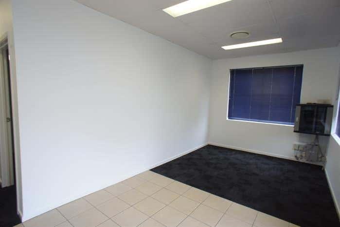 91 Glenwood Drive Thornton NSW 2322 - Image 2