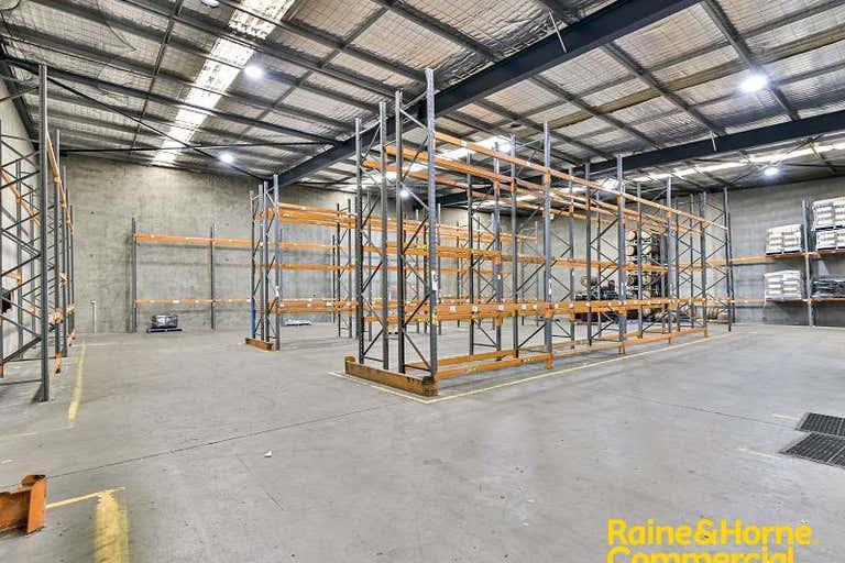 2/41 Topham Road Smeaton Grange NSW 2567 - Image 2