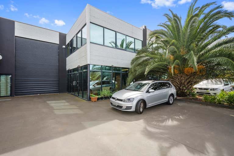 2/17 Orange Street Williamstown VIC 3016 - Image 1