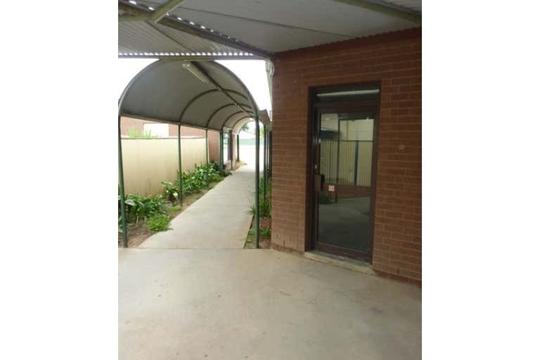 3/47 Hawkins Street Howlong NSW 2643 - Image 2