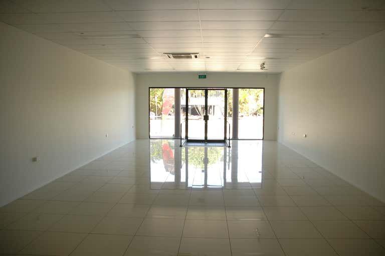 2/106 Maryborough Bundaberg South QLD 4670 - Image 4