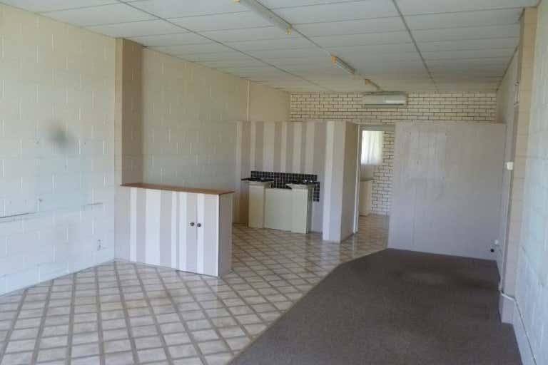 2/8-12 Anning Avenue Golden Beach QLD 4551 - Image 3