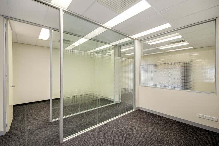 Office 18/240 Pakington Street Geelong West VIC 3218 - Image 4