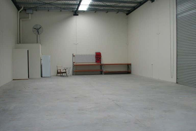 2/14 Fremantle Street Burleigh Heads QLD 4220 - Image 2