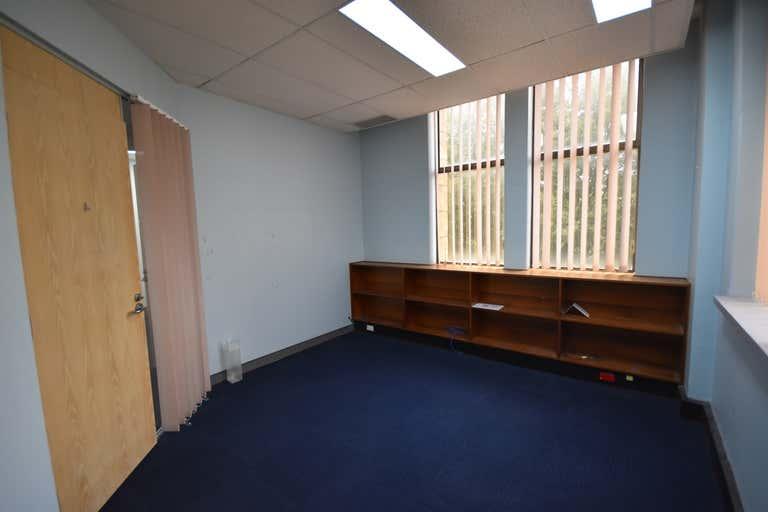 Level 1, 557 Dean Street Albury NSW 2640 - Image 2