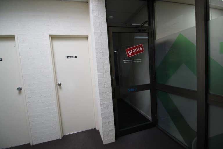 6 Gloucester Avenue Berwick VIC 3806 - Image 4