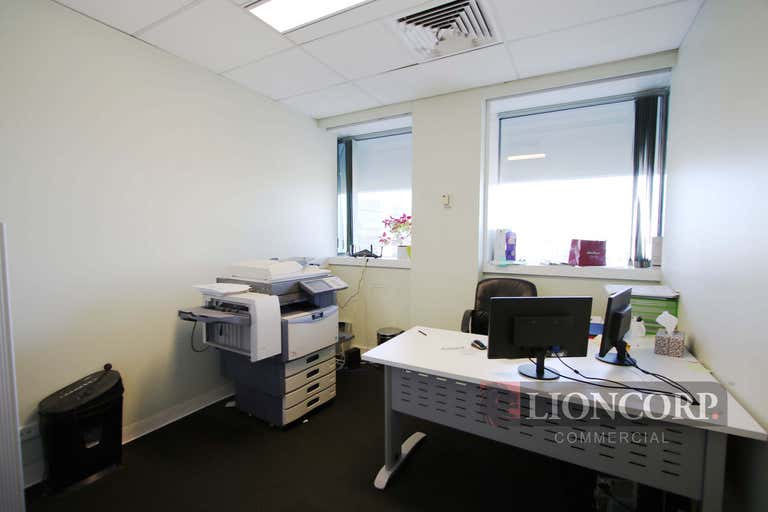 Upper Mount Gravatt QLD 4122 - Image 2