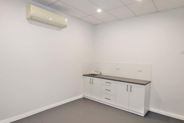 Upstairs Suite 3, 157-159 Baylis Street Wagga Wagga NSW 2650 - Image 4