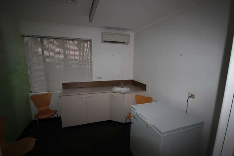 4/115 Nerang Street Southport QLD 4215 - Image 2