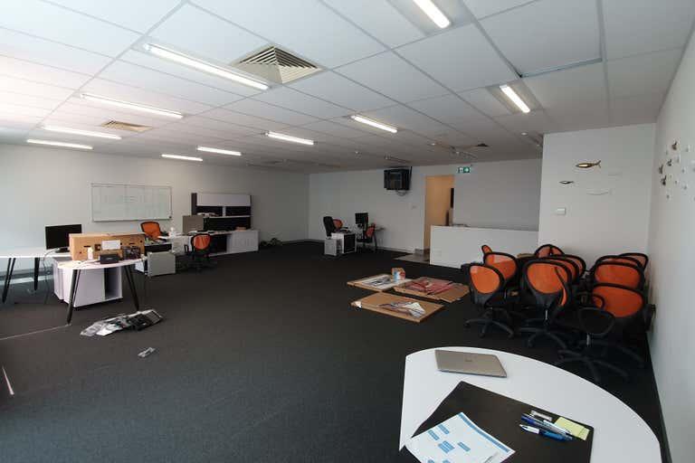 3/20-26 Sabre Drive Port Melbourne VIC 3207 - Image 2