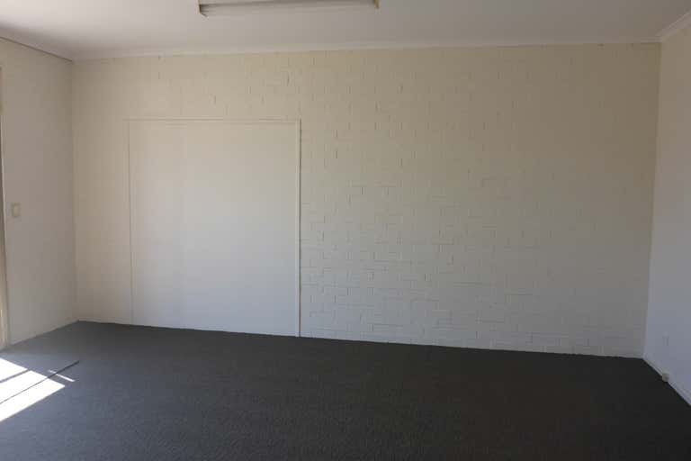 Unit 4, 146 Lake Road Port Macquarie NSW 2444 - Image 4