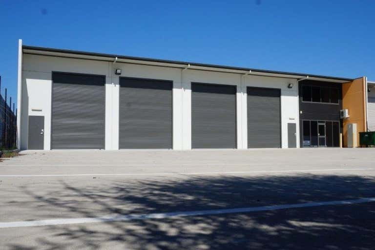 Unit, 41 Bradmill Ave Rutherford NSW 2320 - Image 2