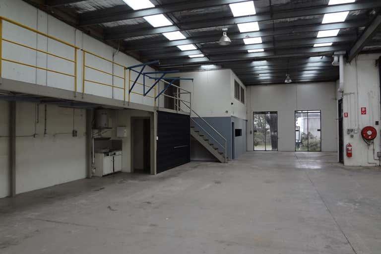 2/7 Wigan Road Bayswater VIC 3153 - Image 4