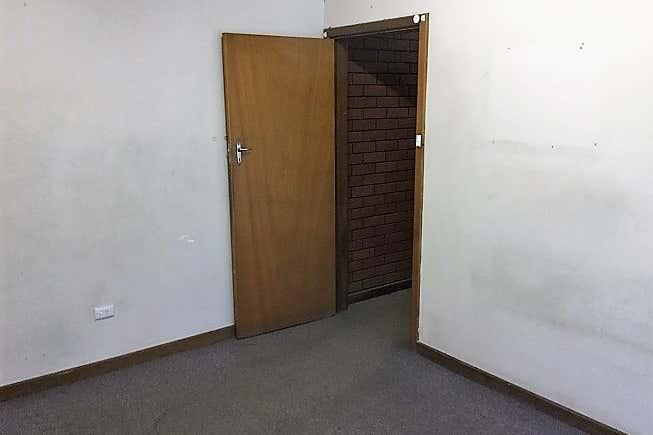 Unit 1 , 69  Division Street Welshpool WA 6106 - Image 4