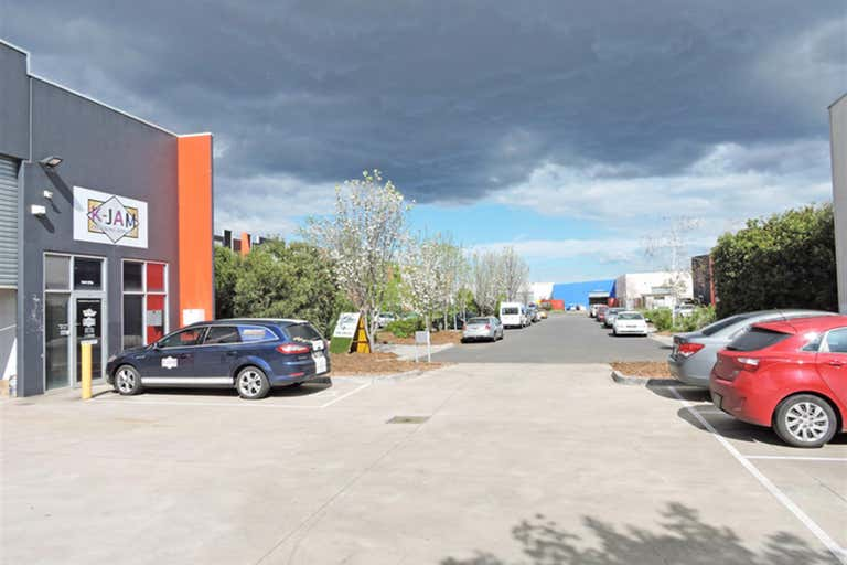 2/11A Elm Park Drive Hoppers Crossing VIC 3029 - Image 2