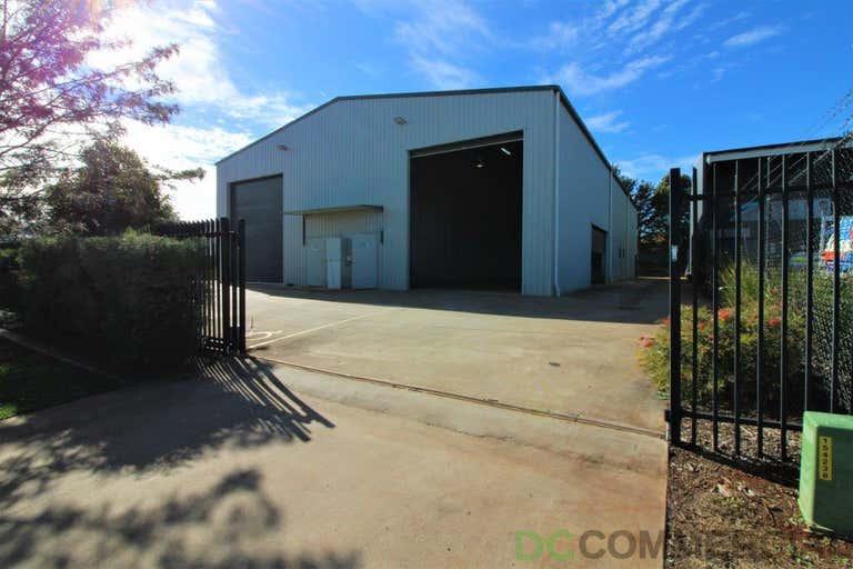 2/19 Croft Crescent Harristown QLD 4350 - Image 1