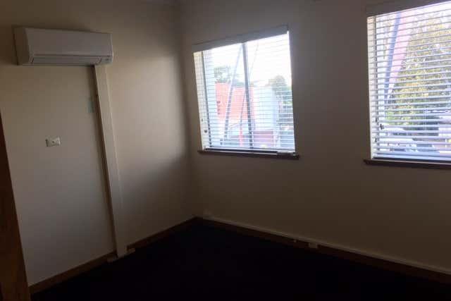Level 1, 5/106 John Street Singleton NSW 2330 - Image 4