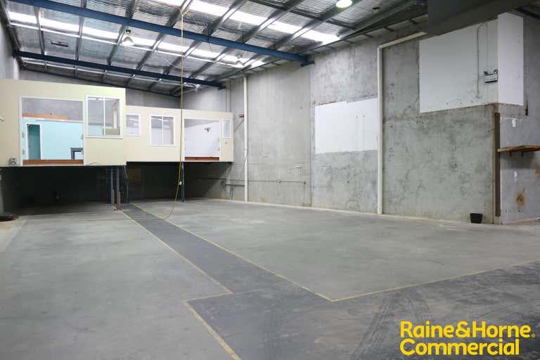 Unit 4, 17 Stennett Road Ingleburn NSW 2565 - Image 2