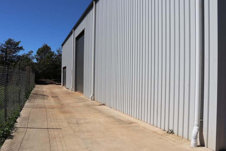 Unit 1   19 Croft Cres Harristown QLD 4350 - Image 2
