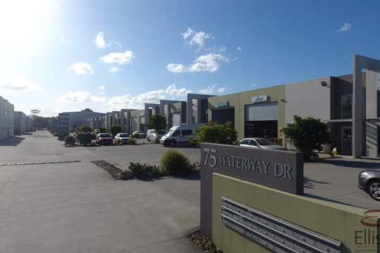 5/75 Waterway Drive Coomera QLD 4209 - Image 2