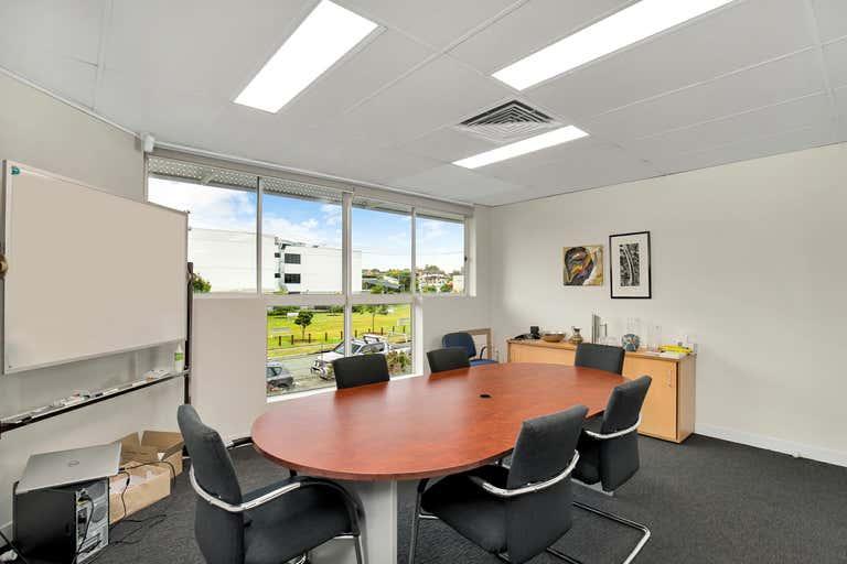 1/61 Holdsworth Street Coorparoo QLD 4151 - Image 1