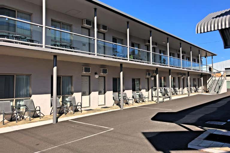 New England Motor Inn, Armidale, 100 Dumaresque Armidale NSW 2350 - Image 3