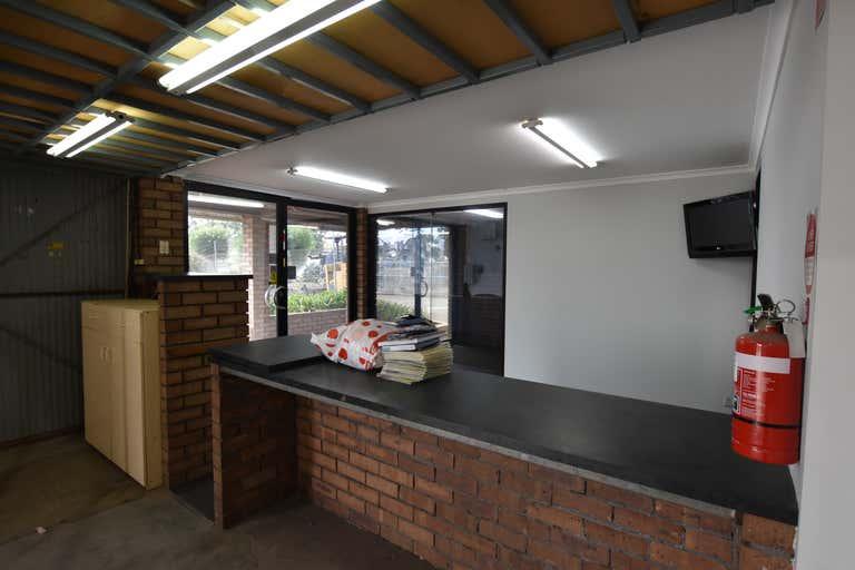 28 Chapman Road Hackham SA 5163 - Image 3