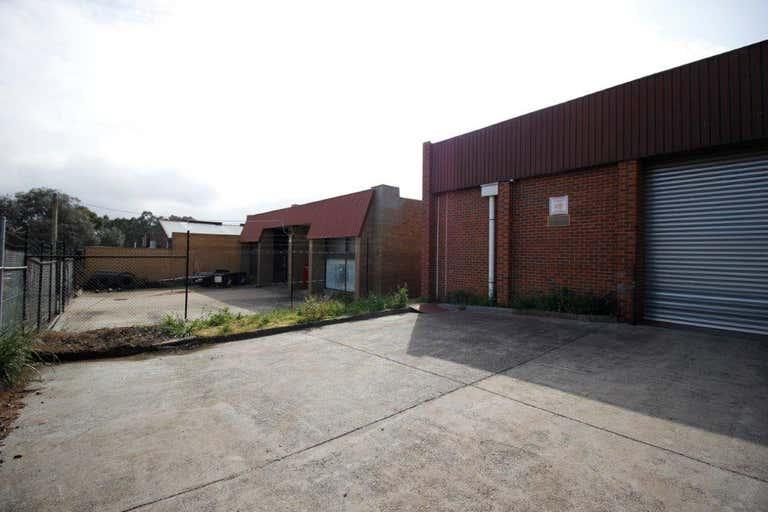 32 Parkhurst Drive Knoxfield VIC 3180 - Image 3