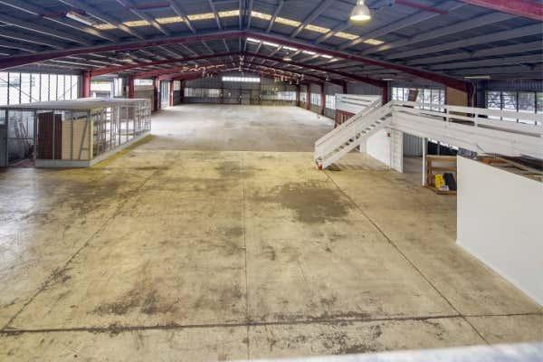 2 & 3/ 310 Fison Avenue Eagle Farm QLD 4009 - Image 2