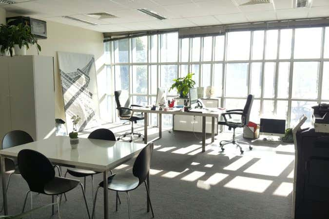Suite 9, 574 Plummer Street Port Melbourne VIC 3207 - Image 2