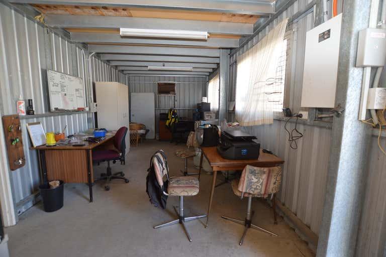Unit 2 / 8 Waye Court Willunga SA 5172 - Image 4