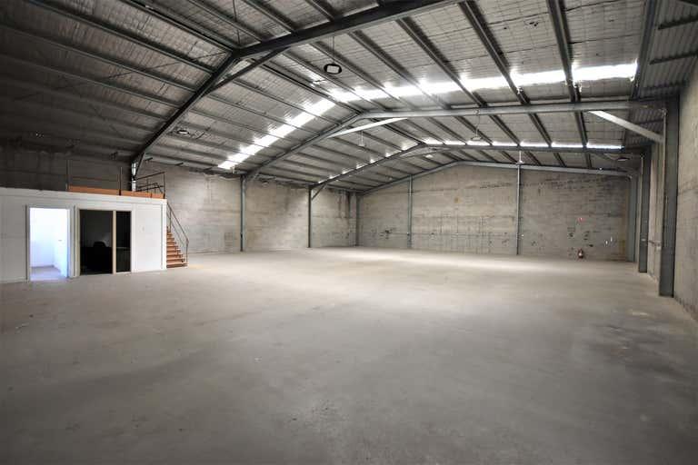 2/393 Townsend Street Albury NSW 2640 - Image 4