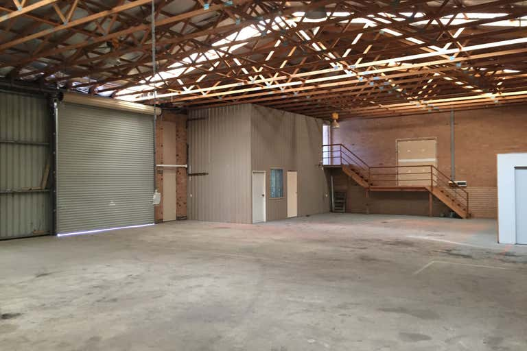 Unit 3, 33 Lorn Road Queanbeyan NSW 2620 - Image 2