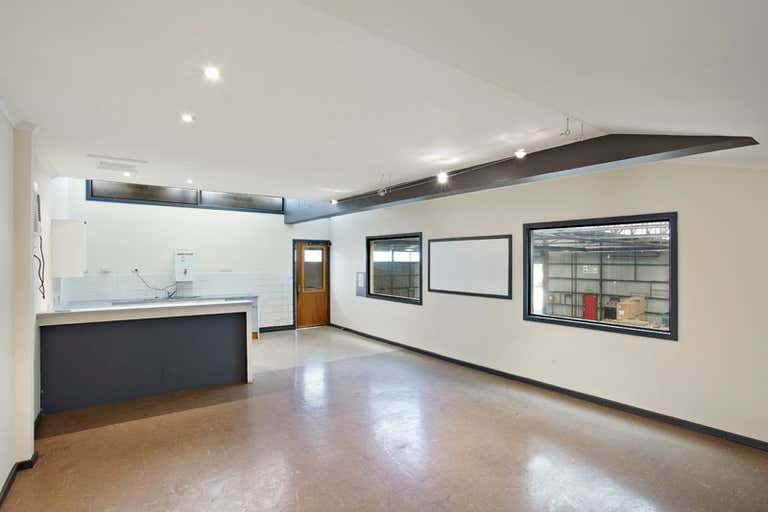 7 Raleigh Street Spotswood VIC 3015 - Image 4