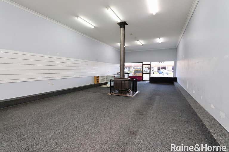 221 Russell Street Bathurst NSW 2795 - Image 3