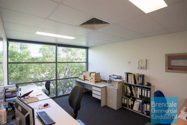 Unit 4, 253 Leitchs Rd Brendale QLD 4500 - Image 2
