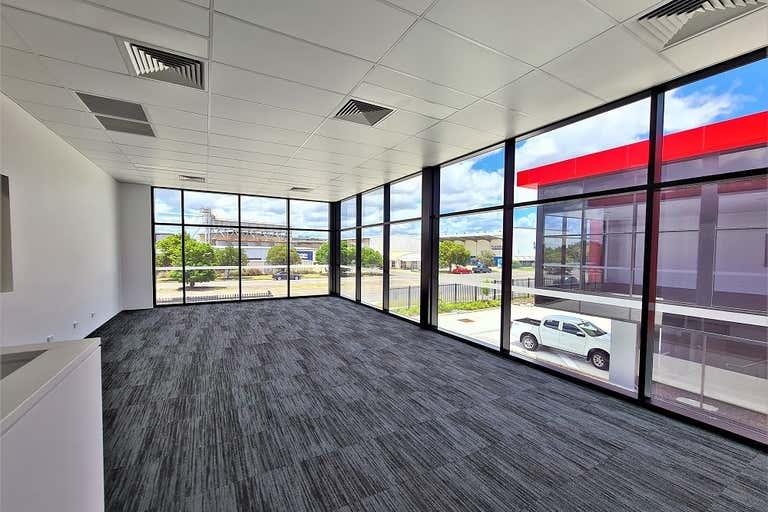 10/300 Lavarack Avenue Pinkenba QLD 4008 - Image 3