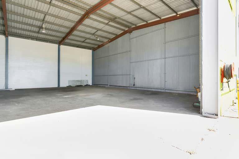 2/5 Toohey Street Portsmith QLD 4870 - Image 4