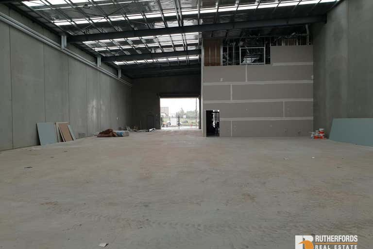 2/25-27 Barry Road Campbellfield VIC 3061 - Image 4