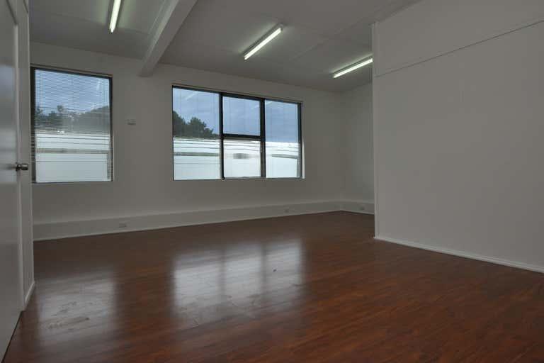 Suite 13, 49-51 Thomas Drive Chevron Island QLD 4217 - Image 4