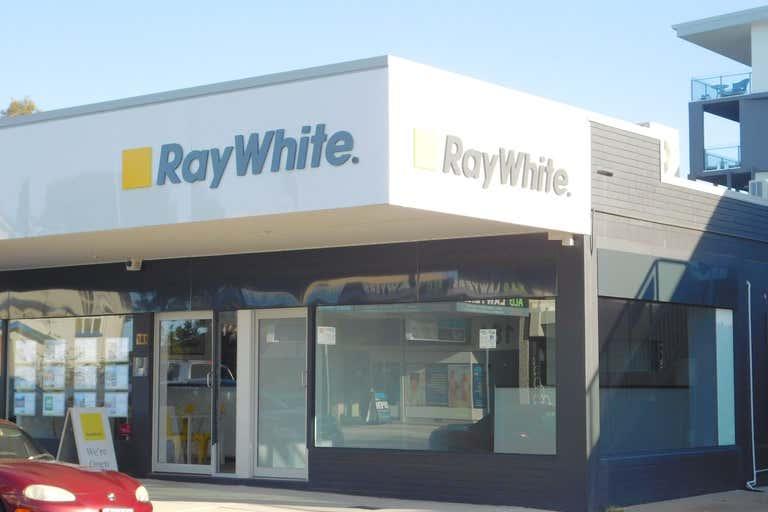 2/181 Bay Terrace Wynnum QLD 4178 - Image 1