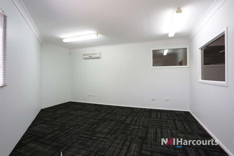 1/12 Combarton Street Brendale QLD 4500 - Image 4