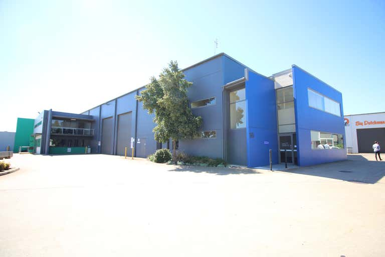 1B/7-9 Gardner Court Wilsonton QLD 4350 - Image 1